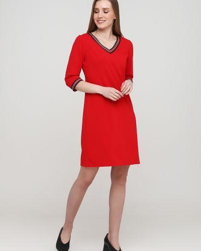 Прямое красное платье с вырезом No Brand