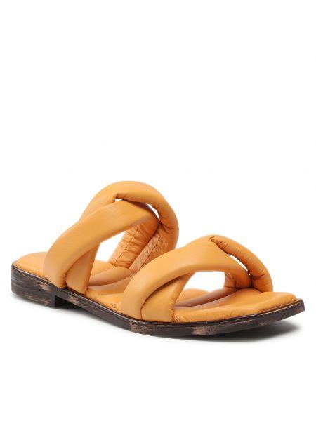 Pomarańczowe sandały Carinii