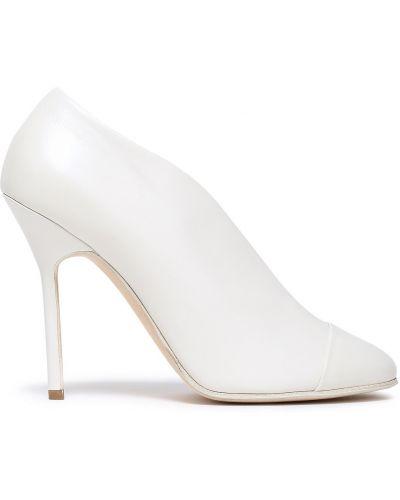 Białe czółenka skorzane Victoria Beckham