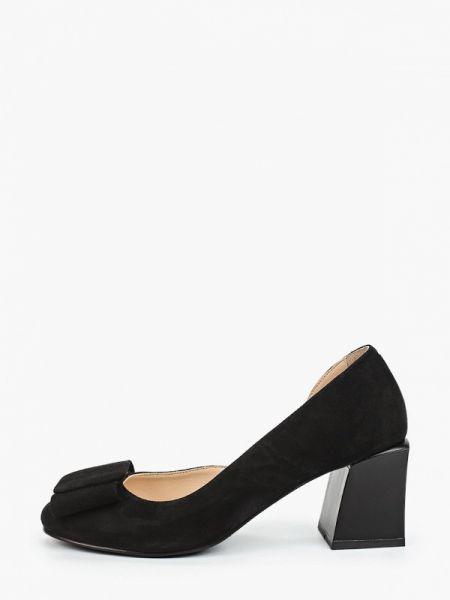 Туфли черные велюровые Hestrend