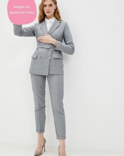 Костюмный серый брючный костюм Imocean