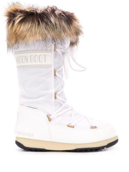 Ботильоны на шнуровке - белые Moon Boot