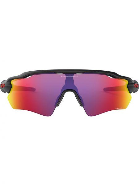 Солнцезащитные очки с логотипом - черные Oakley
