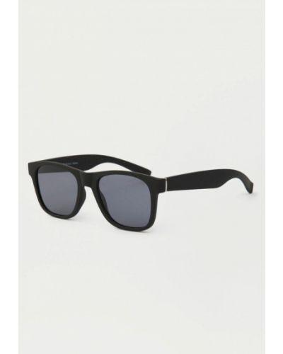 Солнцезащитные очки черные Pull&bear