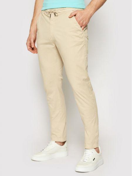 Beżowe spodnie materiałowe La Martina