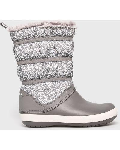 Сапоги зимние на каблуке Crocs