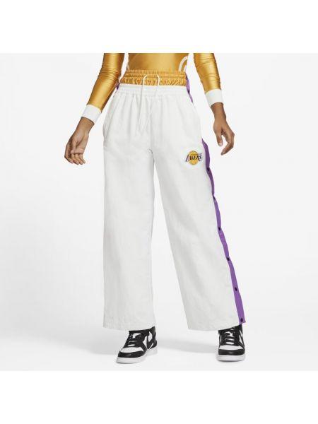 Prosto spodni klasyczne spodnie z kieszeniami Nike