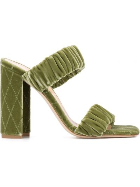 Открытые зеленые кожаные сандалии на каблуке Chloe Gosselin