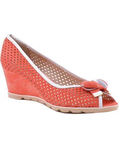 Туфли на каблуке замшевые кожаные Donna Laura