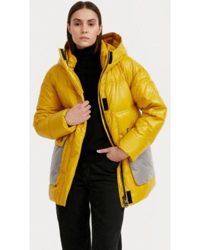 Свободная утепленная желтая куртка Finn Flare