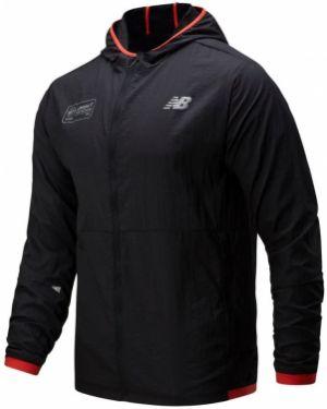 Облегченная черная спортивная куртка New Balance