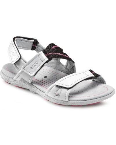 Спортивные сандалии белый на каблуке Ecco
