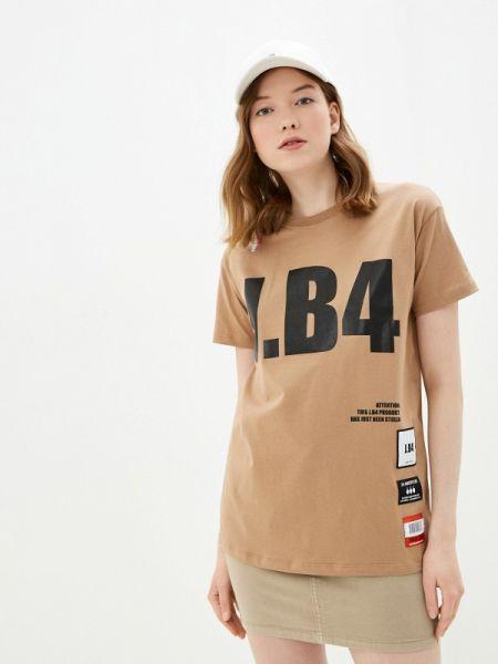 Бежевая футбольная футболка J.b4