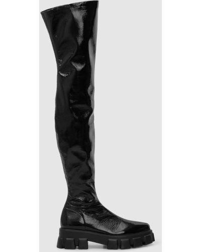 Лаковые ботфорты - черные Prada