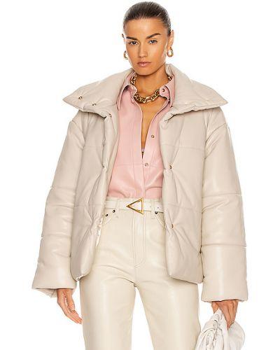 Бежевая кожаная куртка с карманами Nanushka