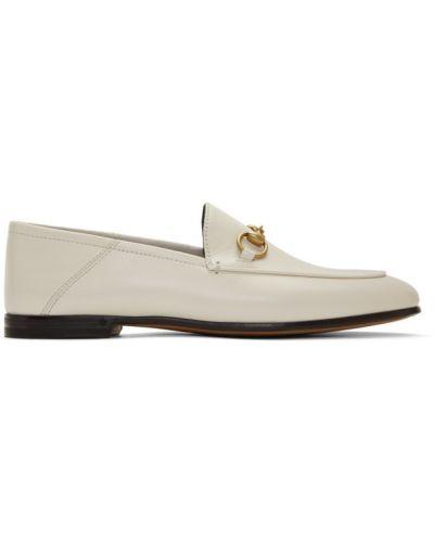 Skórzany biały loafers na pięcie Gucci