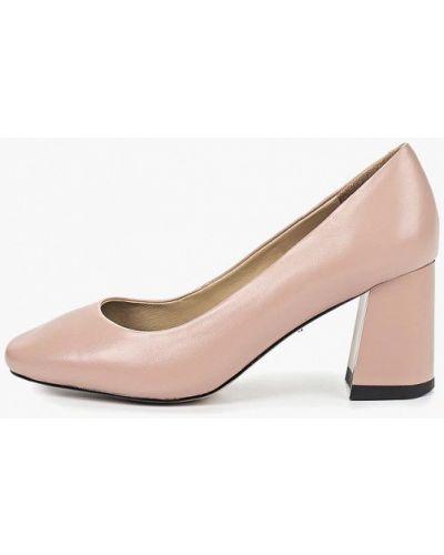 Туфли на каблуке кожаные закрытые Vitacci