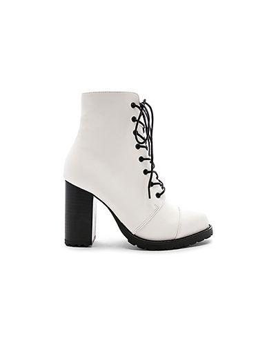 Ботинки на каблуке на шнуровке Raye