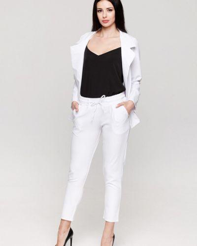 Белый брючный костюм Karree