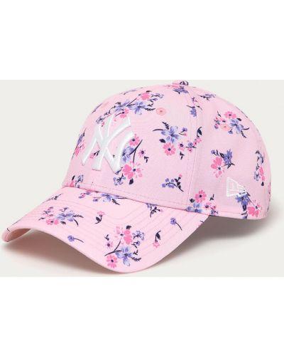 Różowy kapelusz New Era