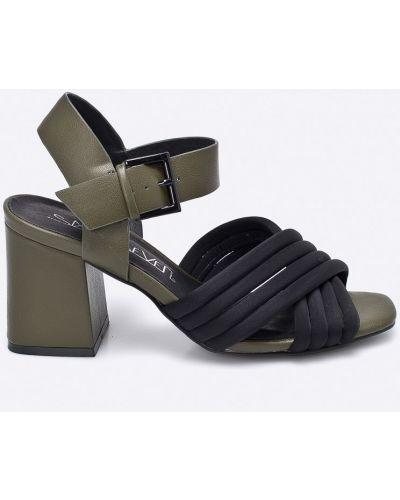 Кожаные туфли на каблуке текстильные Sixtyseven