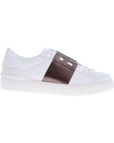 Кожаные кроссовки с надписью Valentino