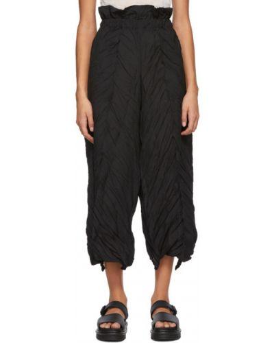 Брючные черные брюки с карманами свободного кроя Issey Miyake