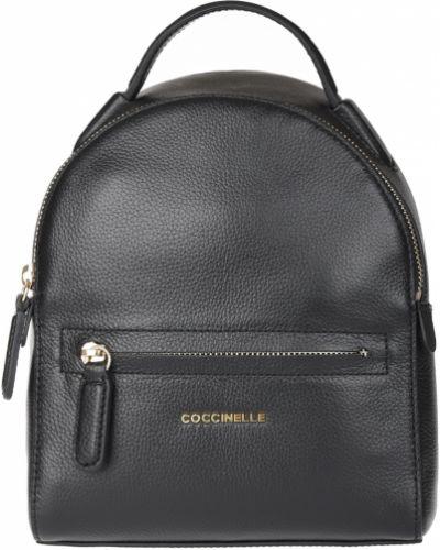Рюкзак черный на молнии Coccinelle