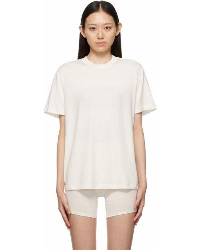 Белая футболка короткая Skims