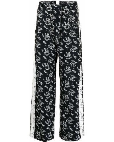 Czarne spodnie z paskiem z printem Sulvam