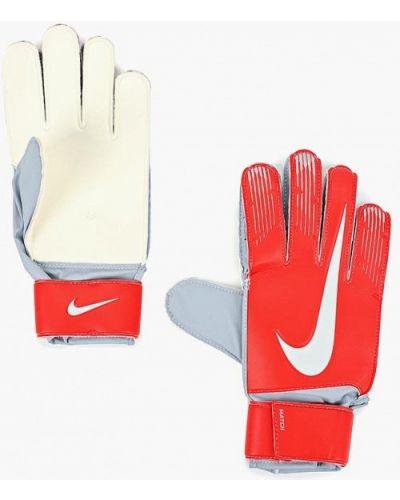 Красные перчатки Nike