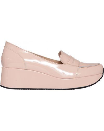 Бежевые туфли на каблуке Kelton