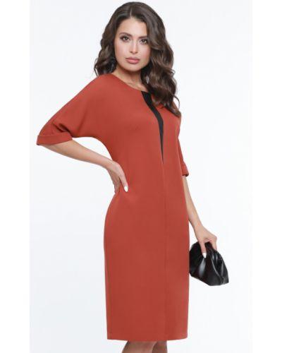 Кожаное с рукавами платье-футляр с вырезом Dstrend
