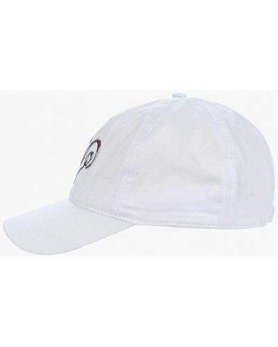 Белая кепка Maxval