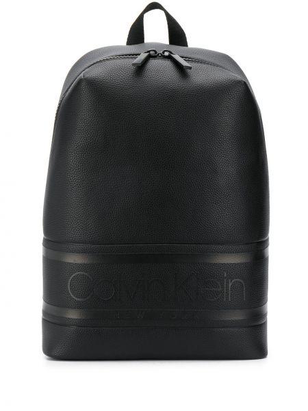 Рюкзак черный через плечо Calvin Klein
