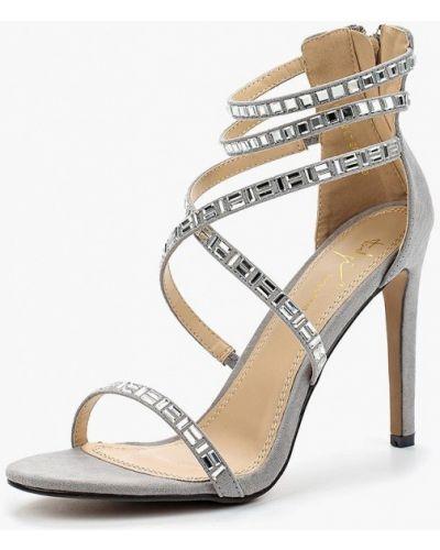 Босоножки на каблуке велюровые Sergio Todzi