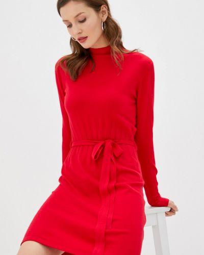 Вязаное трикотажное красное платье B.style