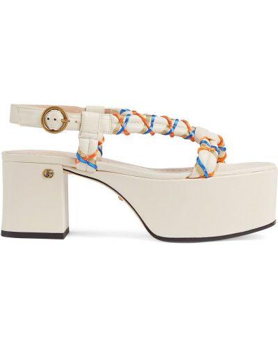 Beżowe sandały na platformie skorzane Gucci