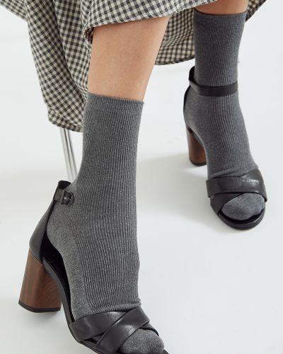 Хлопковые серые носки высокие в рубчик Unique Fabric