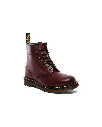 Красные ботинки Dr Martens