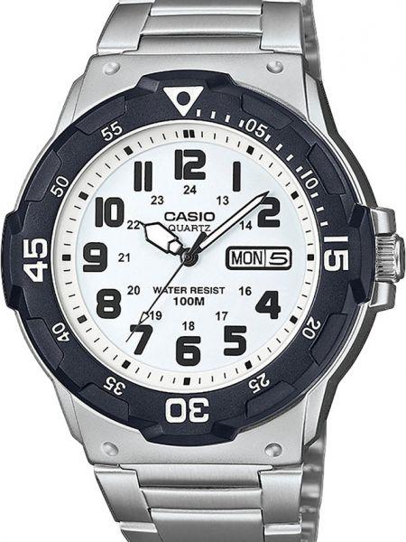 Белые часы водонепроницаемые Casio