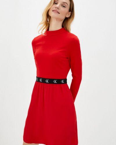 Прямое красное джинсовое платье Calvin Klein Jeans