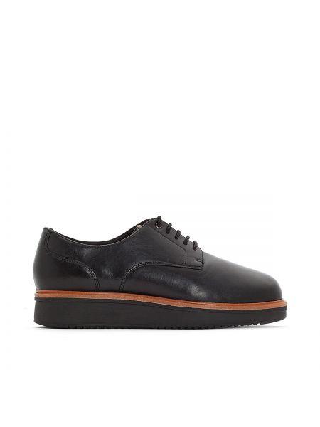 Ботинки на шнуровке кожаные на каблуке Clarks