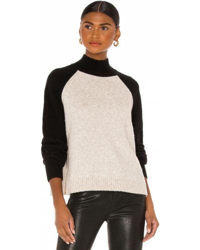 Мягкий черный шерстяной свитер Velvet By Graham & Spencer
