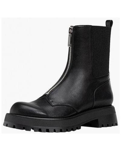 Черные ботинки Stradivarius
