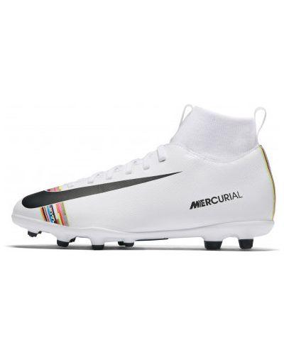 Бутсы на шнуровке футбольные Nike