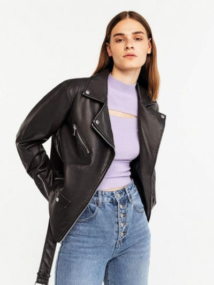 Черная кожаная куртка Befree
