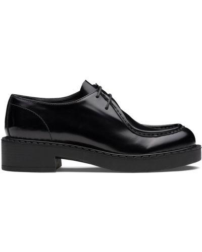 Лаковые черные кожаные дерби Prada