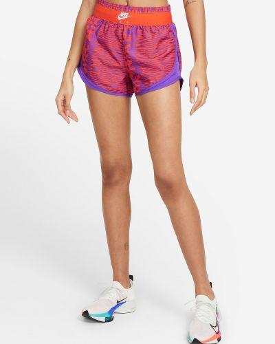 Фиолетовые спортивные шорты Nike