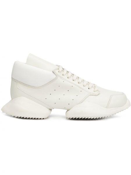 Кожаные белые кожаные кроссовки на шнуровке с перфорацией Adidas By Rick Owens